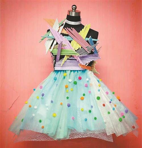 四川美院学生用塑料废弃物做起设计感十足的衣服